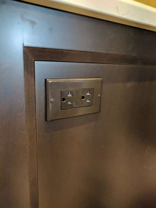 kitchen outlet in mississauga, ontario